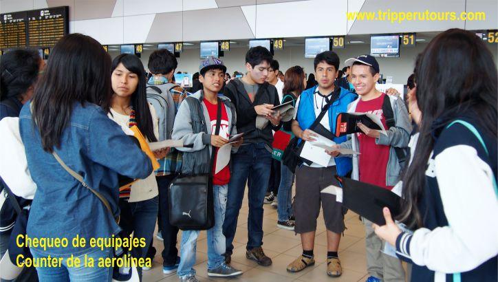 chequeo equipaje en el counter de la aerolinea Lima